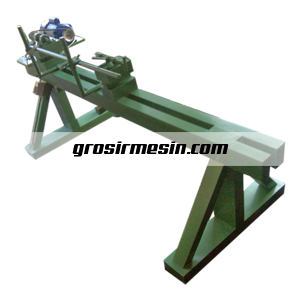 mesin bubut kayu